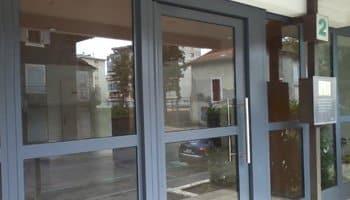 R novation annemasse aluglass for Renover porte entree