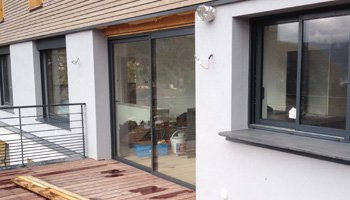 aluglass-vitrerie-metallerie-serrurerie-menuiserie-acier-aluminium-porte-fenetre-6-320x200