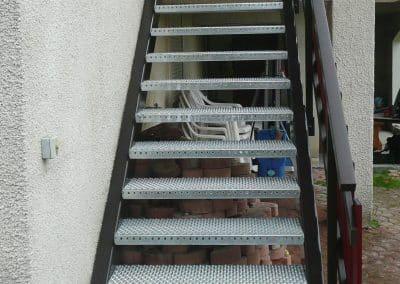 aluglass-ameliorer-renover-reparer-menuiserie-acier-aluminium-metallerie-serrurerie-vitrerie-escalier-1-1400x800