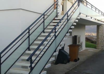 aluglass-ameliorer-renover-reparer-menuiserie-acier-aluminium-metallerie-serrurerie-vitrerie-escalier-8-1400x800